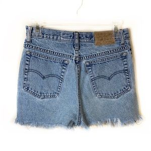 Levi's | High Waisted Cuttoff Shorts